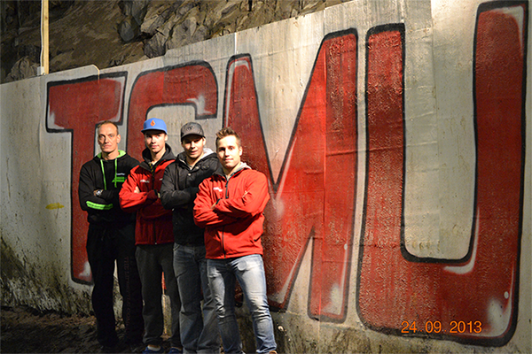 joukkue-luolassa